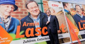 CDU-Landeschef Armin Laschet vor einem Plakat. Bildrechte: dpa
