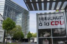 Plakat gegen CDU-Tierschutz
