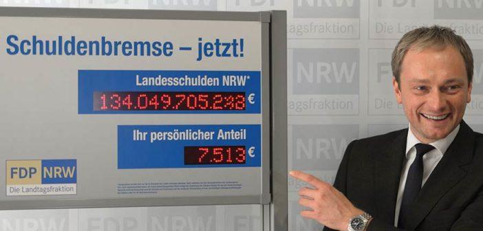 Christian Lindner vor der Schuldenuhr im Jahr 2012, Rechte: ddp images/Tim Schulz
