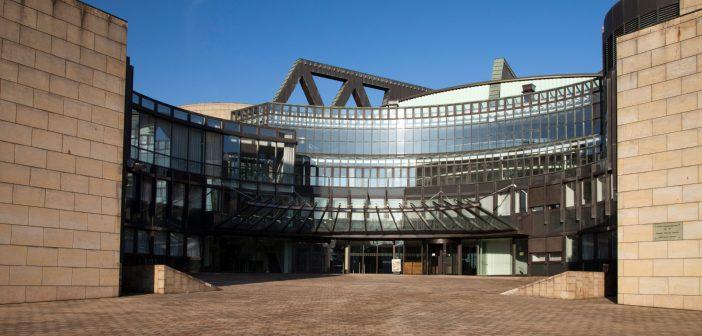 Der Landtag im Sommer (Foto: newspixx vario images)