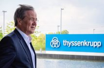 Armin Laschet vor der ThyssenKrupp-Zentrale (Foto: dpa)