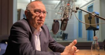 Norbert Walter-Borjans im Gespräch (Foto: Thomas Drescher/WDR)