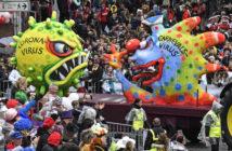 Karnevalswagen mit stilisiertem Corona-Virus in Düsseldorf (Foto: dpa)